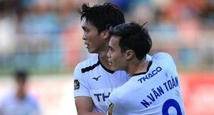 Văn Toàn dẫn đầu danh sách Vua phá lưới nội sau vòng 18 V.league