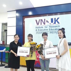 Nữ sinh viên đại học đầu tiên của làng Tu