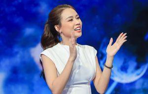 Ủng hộ 'sếp nhí' khởi nghiệp, Ngô Kiến Huy mua túi xách tặng Sam