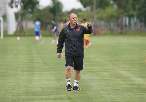 HLV Park Hang-seo bất ngờ hủy trận gặp CLB Phù Đổng, U.22 VN hào hứng tập luyện