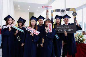 Sinh viên cao đẳng được 12 tập đoàn, tổng công ty tuyển dụng ngay tại lễ tốt nghiệp