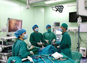 Phẫu thuật nội soi cắt u trực tràng thành công tại Bệnh viện đa khoa TP Vinh
