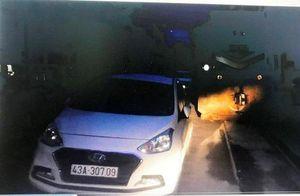 Nữ tài xế ở Đà Nẵng đỗ xe ô tô giữa đường ray rồi về nhà ngủ