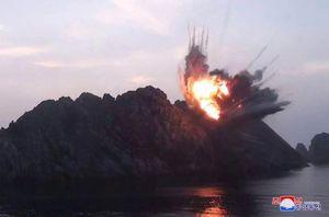 Vừa gửi thư phản đối tập trận Mỹ-Hàn, Triều Tiên lại phóng tên lửa