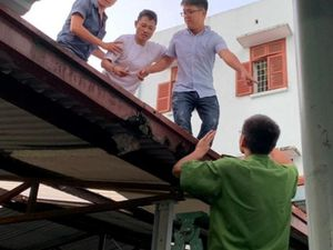 Hải Phòng: Khống chế kịp thời đối tượng ngáo đá trên nóc nhà