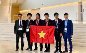 2 nam sinh Việt Nam xuất sắc giành được 2 huy chương vàng Olympic Tin học quốc tế