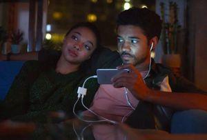 Samsung âm thầm xóa những video quảng cáo chế giễu Apple