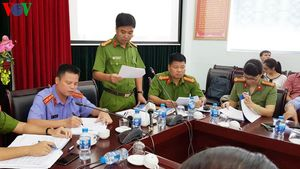 Thông tin về vụ bắt giữ người và chống đối công an tại Hà Nội