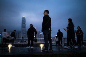 Biểu tình dữ dội khiến chứng khoán Hongkong lao dốc và Trung Quốc nổi giận
