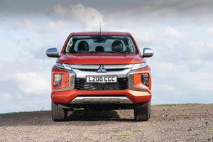 Mitsubishi Triton 2020 đặt chân tới Anh quốc, giá từ 26.000 USD