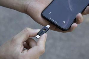 Món đồ chơi này mở mật khẩu iPhone giống hệt chìa khóa