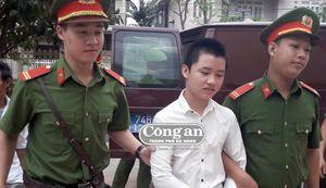 Xét xử vụ án mạng do mâu thuẫn đi đường tại TP Đông Hà, Quảng Trị: Bị cáo 'nhí' bật khóc vì điều tử tế từ gia đình bị hại