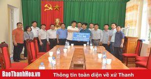 Đảng ủy khối doanh nghiệp tỉnh thăm hỏi, hỗ trợ cho đồng bào lũ lụt huyện Mường Lát và Quan Sơn