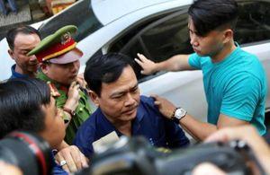 Nguyễn Hữu Linh nhận án 18 tháng tù: Người hả hê, kẻ méo mặt