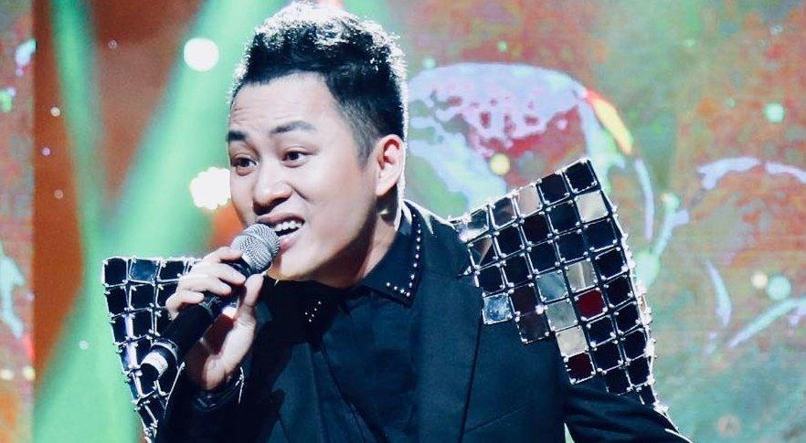 Tùng Dương hát rock trong Hòa nhạc 'Điều còn mãi 2019'