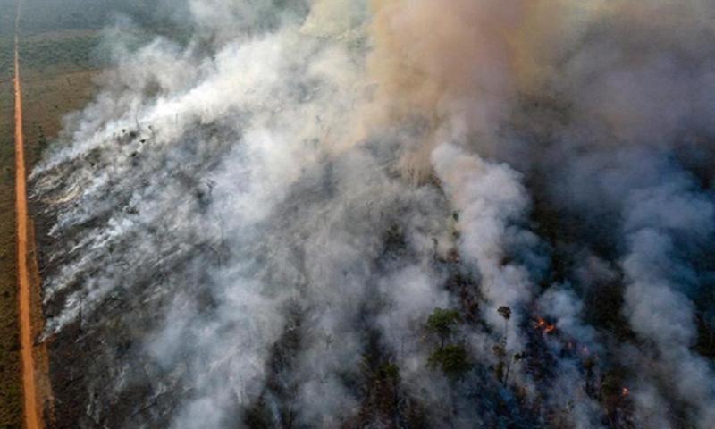 Cháy rừng Amazon dữ dội, Brazil tức tốc điều chiến đấu cơ dập lửa
