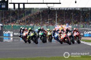 Chặng 12 MotoGP 2019: Marquez thất bại cay đắng trước Rins ở góc cua cuối cùng