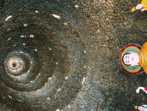 Ngôi chùa vỏ ốc ở Cam Ranh đẹp khác lạ trên báo nước ngoài