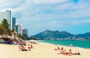 Các bãi biển châu Á vắng vẻ vì du khách Trung Quốc cạn tiền