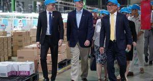 Thống đốc bang Nebraska 'đến thăm nhà', mời Nhựa An Phát Xanh đầu tư sang Hoa Kỳ
