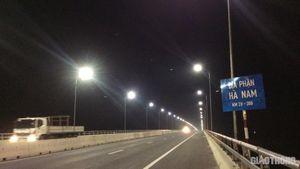 Cây cầu 3000 tỷ ở Hà Nam đã được chiếu sáng trở lại