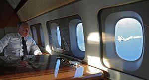 Cựu phi công Nga kể lại giây phút máy bay chở Tổng thống Putin suýt gặp nạn