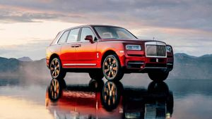 SUV siêu sang Rolls-Royce Cullinan bị triệu hồi chỉ vì đèn kém sáng