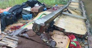 Tường rào bất ngờ đổ sập, 3 người tử vong trong đêm