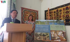 Giới thiệu cuốn sách dịch 'Văn học Việt Nam' bằng tiếng Ukraine
