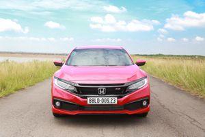 Mua sedan thể thao, nên chọn Honda Civic RS hay Hyundai Elantra Sport?
