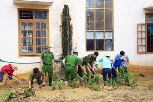 Công an tỉnh Hà Giang tăng cường giúp dân khắc phục hậu quả thiên tai