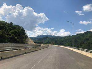 Cao tốc La Sơn-Túy Loan: Dải lụa bắc ngang vùng núi Nam Đông