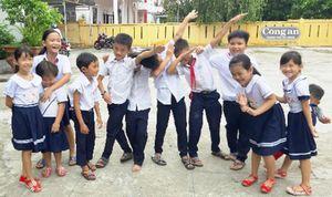 Vụ cho con nghỉ học vì phản đối sáp nhập trường: Còn 9 học sinh chưa ra lớp