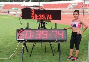Nguyễn Thị Thanh Phúc phá kỷ lục quốc gia đi bộ tồn tại 11 năm