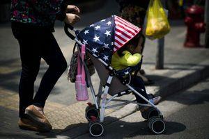 Mỹ bắt người Trung Quốc cầm đầu đường dây 'du lịch sinh sản'
