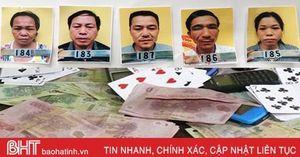 Khởi tố 5 đối tượng 'đánh liêng' ăn tiền ở xã miền núi Can Lộc