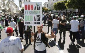 Algeria đã có 22 ứng cử viên đăng ký tranh cử Tổng thống
