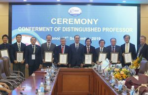Vinh danh các giáo sư quốc tế có nhiều đóng góp cho Việt Nam