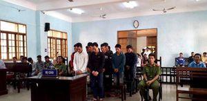 Mâu thuẫn tại đám hỏi, 17 thanh niên lãnh án tù