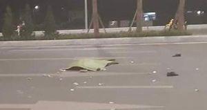 Đi bộ qua đường, người đàn ông bị xe tải đâm tử vong