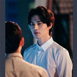 Fan 'khóc thét' vì tạo hình của Lee Dong Wook trong phim Người lạ đến từ địa ngục