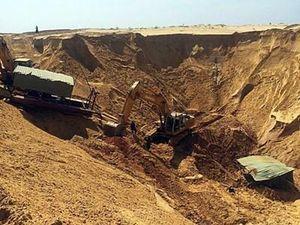 Sụp hố cát tại công trường khai thác ti tan, 1 công nhân thiệt mạng