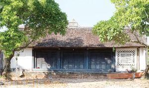 Rồng chầu hoa cúc nét đặc sắc trong mỹ thuật trung đại ở Hà Nam