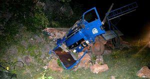 Gia Lai: Xe chở trụ tiêu tông vào vách núi, 1 người tử vong