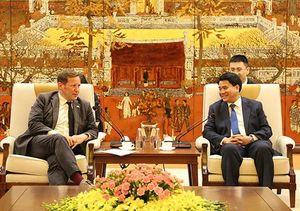 Hà Nội đề nghị Vương quốc Anh hỗ trợ đào tạo đội ngũ giáo viên đạt chuẩn