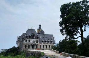Chủ tịch Công ty Lạc Hồng thiếu trung thực khi nói về sổ đỏ tòa 'lâu đài' Tam Đảo?