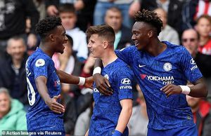 Vòng 8 Premier League: Thành London mở hội, thành Manchester thảm bại