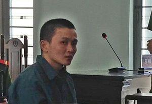 Tăng 5 năm tù kẻ đánh mù mắt nữ sinh để hiếp dâm