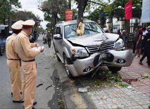 Kiểm tra nồng độ cồn tài xế sau tai nạn: Khi y tế nói có, công an bảo không