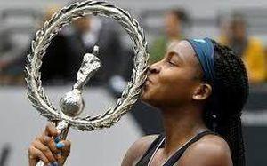 Thần đồng 15 tuổi của nước Mỹ đoạt danh hiệu WTA đầu tiên